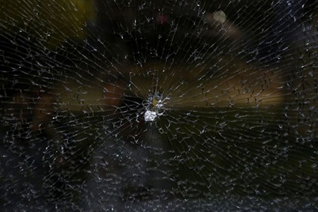 Sốc: Xe chở nhà báo tác nghiệp tại Olympic bị tấn công bằng súng - ảnh 5