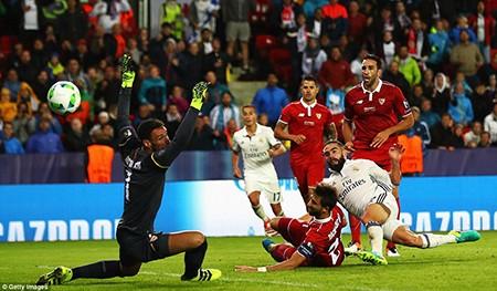 Real giành siêu cúp châu Âu trong cảnh trở về từ cõi chết - ảnh 5