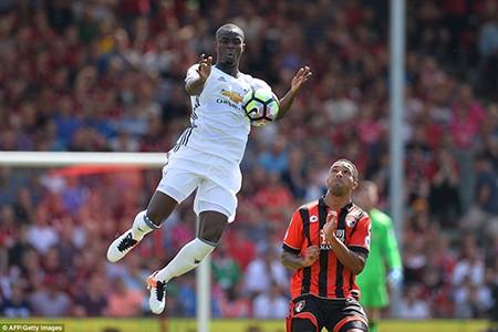 Ibra, Rooney, Mata 'nổ súng', M.U mở màn Premier League hoành tráng - ảnh 6