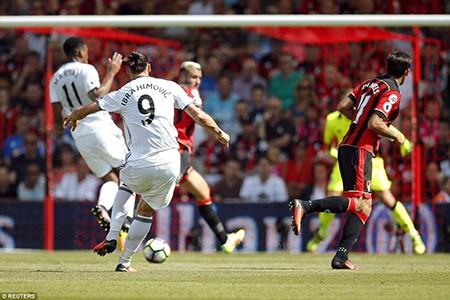 Ibra, Rooney, Mata 'nổ súng', M.U mở màn Premier League hoành tráng - ảnh 4