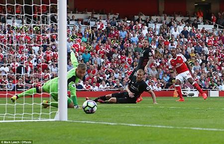 Arsenal 3-4 Liverpool: Kinh điển! - ảnh 2