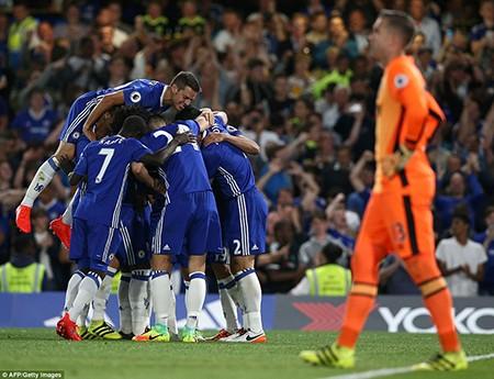 Tỏa sáng phút cuối, Costa giúp Conte ra mắt thành công - ảnh 1