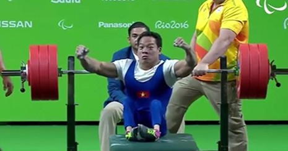 Lê Văn Công phá kỷ lục thế giới, giành HCV Paralympic lịch sử - ảnh 2
