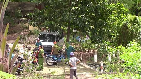 Phát hiện xác chết, người đàn ông vứt chiếc cưa máy chạy thục mạng - ảnh 2