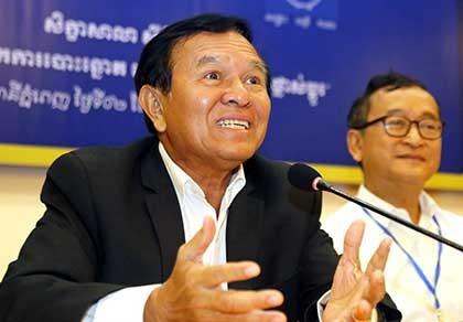 """Ông Hun Sen """"siết"""" phe đối lập trước bầu cử - ảnh 2"""