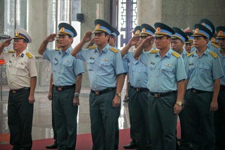 Lễ truy điệu 3 phi công hi sinh khi làm nhiệm vụ - ảnh 27