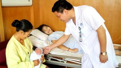 Phú Thọ: Em bé đầu tiên chào đời bằng thụ tinh nhân tạo - ảnh 1