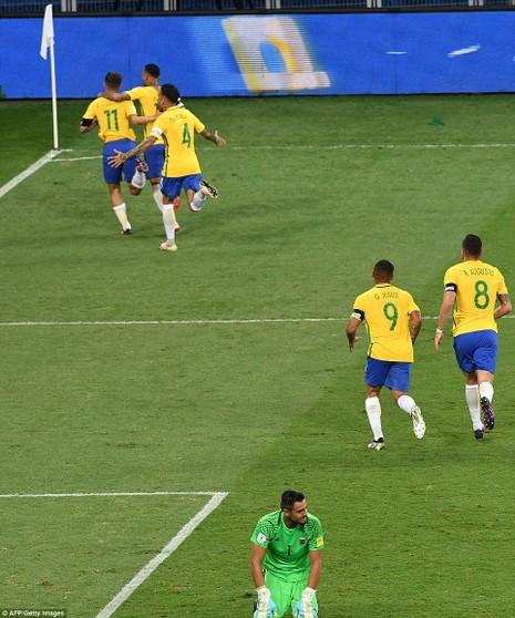 Bị Brazil hạ nhục, Argentina rơi vào khủng hoảng - ảnh 7