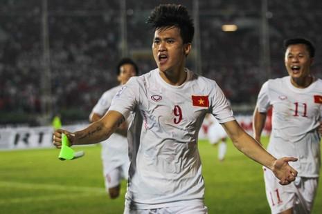 Hàng công tỏa sáng, Việt Nam thắng nghẹt thở Myanmar - ảnh 9