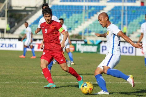 Việt Nam 1-0 Malaysia: Chiến thắng nhọc nhằn và quả cảm - ảnh 18