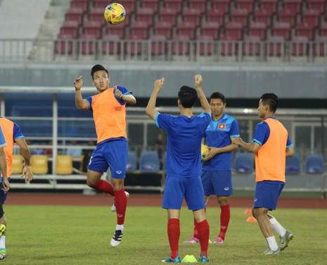 Việt Nam 2-1 Campuchia: Thắng mà không vui - ảnh 27