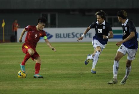 Việt Nam 2-1 Campuchia: Thắng mà không vui - ảnh 2