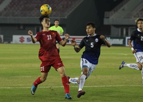 Việt Nam 2-1 Campuchia: Thắng mà không vui - ảnh 3