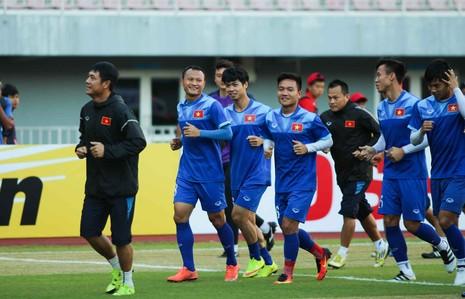 Việt Nam 2-1 Campuchia: Thắng mà không vui - ảnh 30