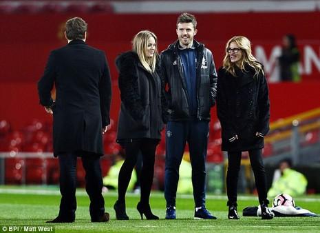 Julia Roberts hôn Pogba: Ai là người may mắn nhất ở MU? - ảnh 6