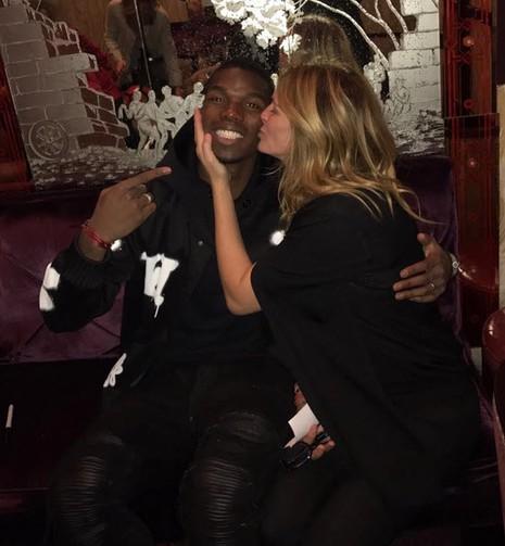 Julia Roberts hôn Pogba: Ai là người may mắn nhất ở MU? - ảnh 1