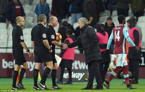 Mourinho 'cao tay', MU thắng trận thứ 6 liên tiếp - ảnh 3