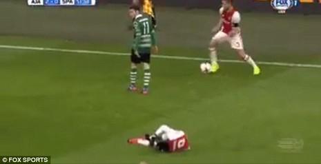 Pha bóng láu cá nhất mọi thời đại của cầu thủ Ajax - ảnh 2