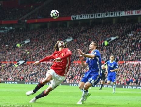 Nhìn lại màn đại chiến kinh điển giữa MU và Chelsea - ảnh 8