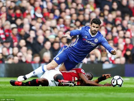 Nhìn lại màn đại chiến kinh điển giữa MU và Chelsea - ảnh 4
