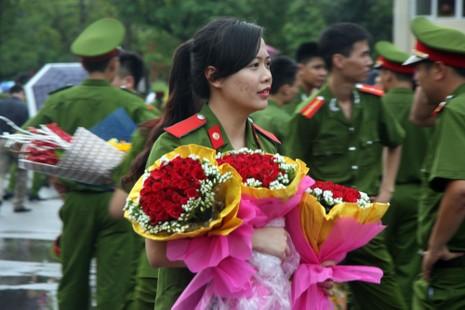 """Những """"đóa hồng"""" của  Học viện Cảnh sát nhân dân trong ngày tốt nghiệp - ảnh 12"""