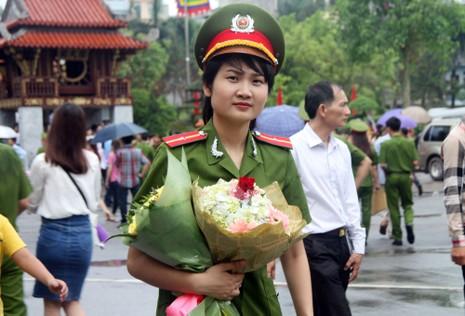 """Những """"đóa hồng"""" của  Học viện Cảnh sát nhân dân trong ngày tốt nghiệp - ảnh 8"""