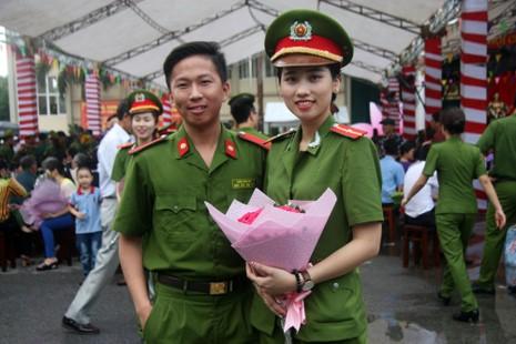 """Những """"đóa hồng"""" của  Học viện Cảnh sát nhân dân trong ngày tốt nghiệp - ảnh 9"""