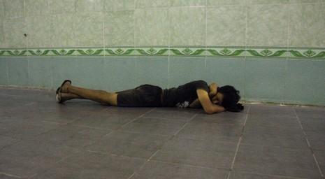 Chùm ảnh: 101 kiểu người Hà Nội trốn nắng nóng kỷ lục - ảnh 2