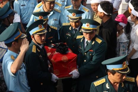 Tiễn đưa Đại tá Trần Quang Khải về nơi an nghỉ cuối cùng - ảnh 12