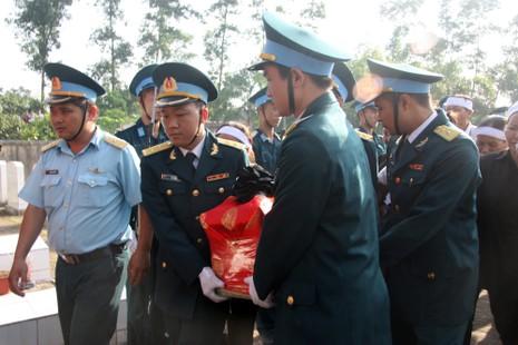 Tiễn đưa Đại tá Trần Quang Khải về nơi an nghỉ cuối cùng - ảnh 4