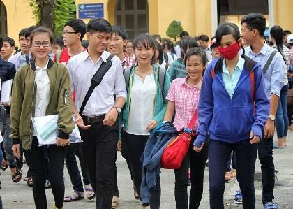 Ngày thi thứ hai có 131 thí sinh bị đình chỉ thi - ảnh 1