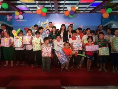 Chung tay xoa dịu nỗi đau cho trẻ em khuyết tật - ảnh 1