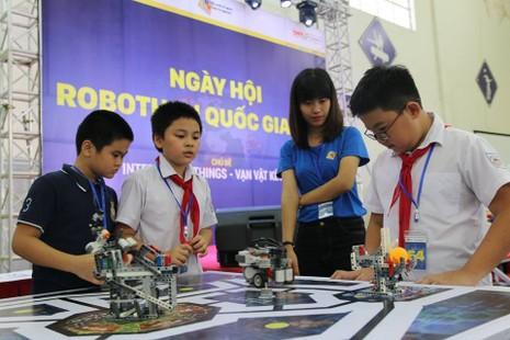 65 đội tuyển đua tài trong ngày hội Robothon miền Bắc - ảnh 3