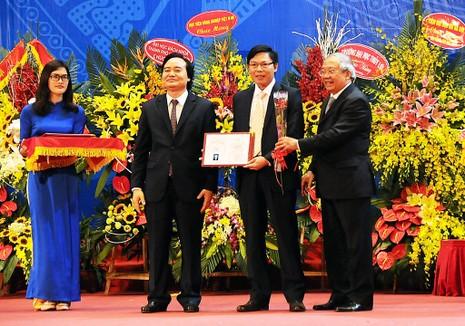 Việt Nam có thêm 65 giáo sư, 638 phó giáo sư - ảnh 1