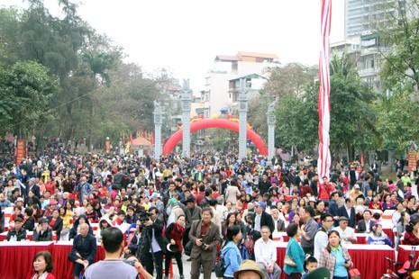 Hàng ngàn người dân dự lễ hội Gò Đống Đa - ảnh 1