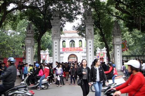 Thiếu nữ Hà Nội du xuân, xin chữ đầu năm - ảnh 13