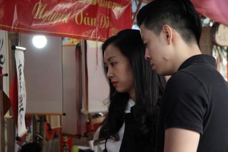 Thiếu nữ Hà Nội du xuân, xin chữ đầu năm - ảnh 7