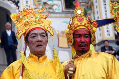 Độc đáo lễ hội rước vua, chúa ở đền Sái - ảnh 2