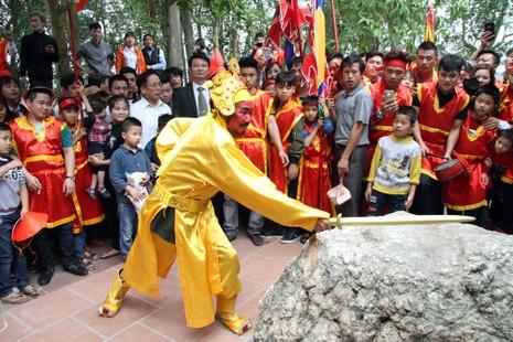 Độc đáo lễ hội rước vua, chúa ở đền Sái - ảnh 4