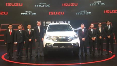 ISUZU mu-X: Kẻ liều mình trước cuộc chiến SUV - ảnh 1