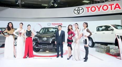 Nhiều xe mới xuất hiện ở triển lãm ô tô Việt Nam 2016 - ảnh 3