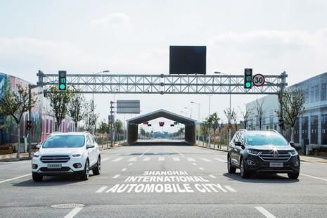 Ford thử nghiệm công nghệ di chuyển giữa phố đông đúc - ảnh 2