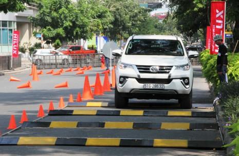 Sôi động chương trình trải nghiệm xe mới của Toyota - ảnh 4