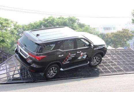 Sôi động chương trình trải nghiệm xe mới của Toyota - ảnh 6