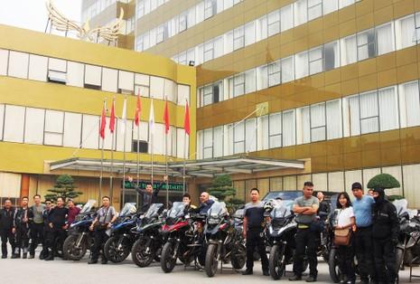 """40 Biker Việt chinh phục """"đỉnh Everest"""" bằng mô tô - ảnh 1"""
