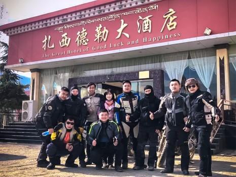 """40 Biker Việt chinh phục """"đỉnh Everest"""" bằng mô tô - ảnh 8"""