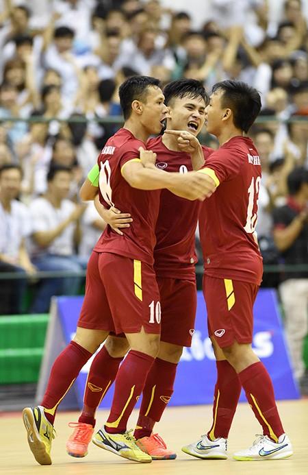 Thắng kịch tính Malaysia, Futsal Việt Nam 'đòi nợ' thành công - ảnh 2