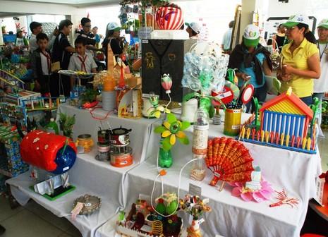 TP.HCM: Tưng bừng Ngày hội tái chế rác thải 2015 - ảnh 2