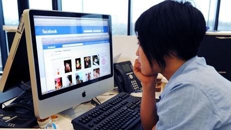 Tác hại khôn lường của mạng xã hội lên chuyện 'yêu' - ảnh 1