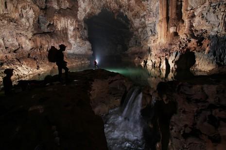 """Vì sao Quảng Bình có nhiều hang động """"đẹp không thể tả xiết""""?   - ảnh 3"""
